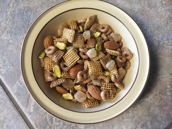 cocoa cinnamon chex serve