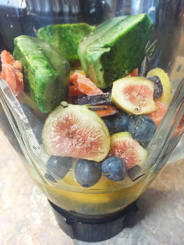 fig carrot green smoothie photo