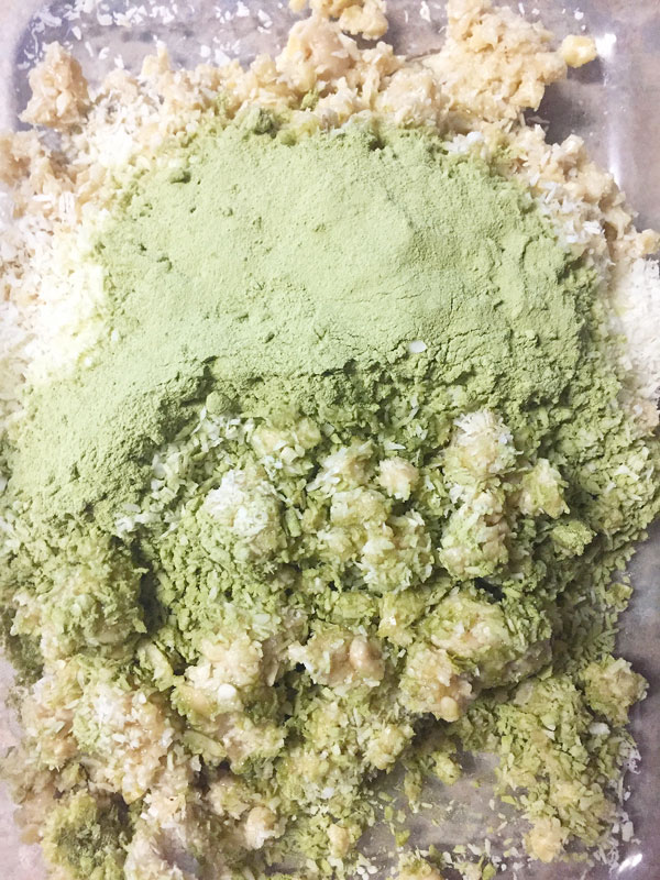 matcha breakfast bar prep