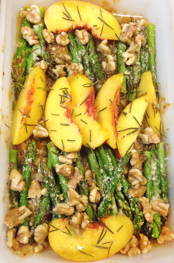 roasted asparagus and fruit with walnuts